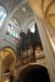 Voûtes et Grand Orgue en contre-plongée. Cliché personnel